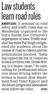 Law students learn road rules (Guru Nanak Dev University (GNDU))
