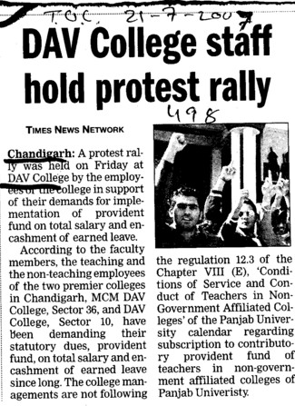 College staff hold protest rally (DAV College Sector 10)