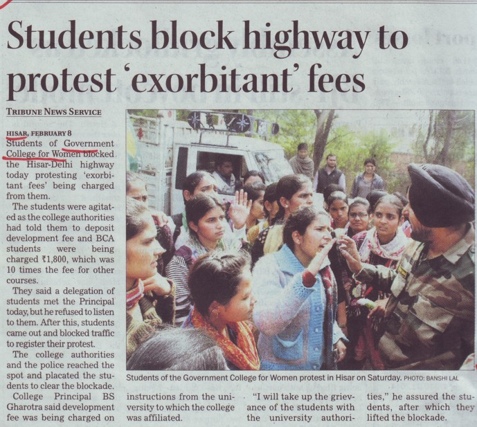 Students block highway to protest exorbitant fees (Government College for Women)